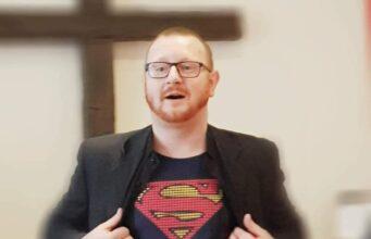 Pastor Kurylas krytykuje wirus głupoty.