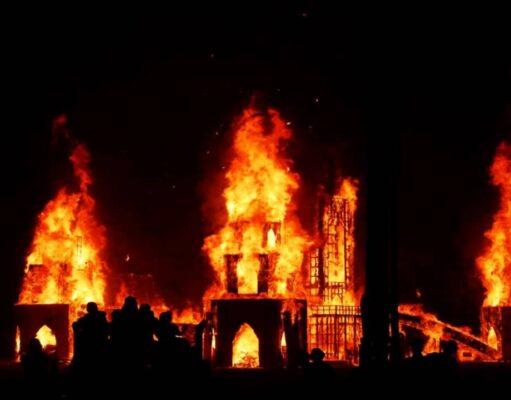 Feministki chcą podpalać kościoły